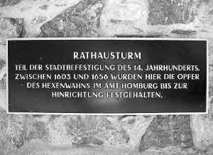 Bad Homburg Tafel Rathausturm.jpg (285345 Byte)