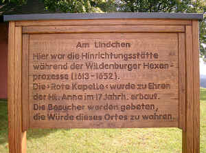Friesenhagen Wildenburger Land Rote Kapelle Tafel.jpg (286376 Byte)